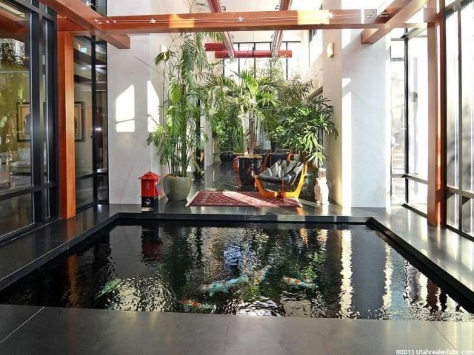 Mẫu hồ cá Koi hiện đại trong nhà 10